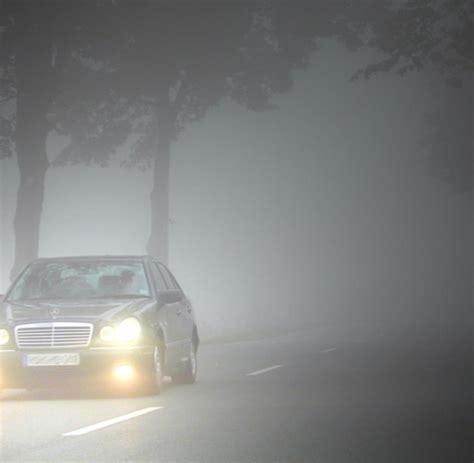 wann darf die nebelschlussleuchte einschalten wann darf was leuchten ratgeber richtige beleuchtung bei