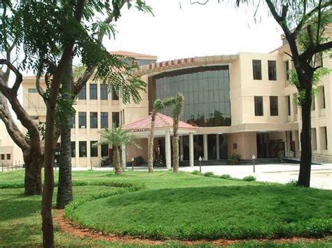 Mba Evening Colleges In Chennai by Iit Madras Placement Schedules Suspended Due To Rains