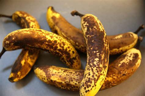 cucinare banane banane troppo non buttarle ecco cosa puoi farci