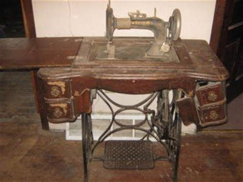 antique vintage new home treadle sewing machine 1909