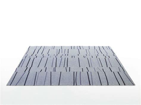 tappeti feltro tappeto in feltro a righe graffito collezione feltro by