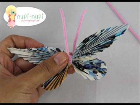 Lu Bentuk Kupu Kupu Bekas membuat kupu kupu dari majalah bekas