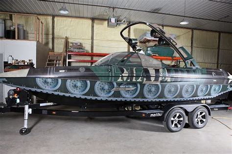 how much do phoenix bass boats cost the gallery for gt camo bass boat wraps