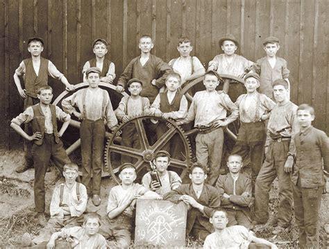 wann war die industrialisierung anfang des 20 jahrhunderts war die kindheit meist schnell