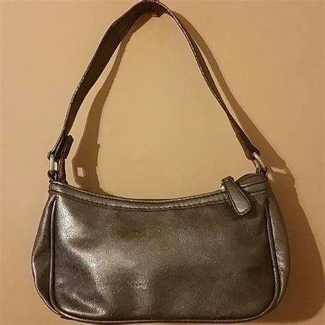 Xoxo Purse by 44 Xoxo Handbags Like New Silver Metalic Xoxo