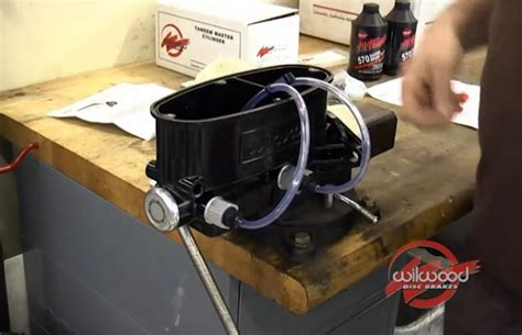 how do i bench bleed a master cylinder how to properly bench bleed the master cylinder with