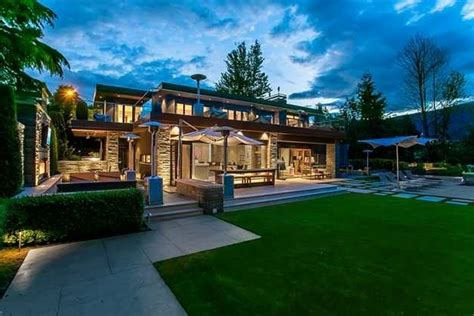 the lowry house a 10 9 million waterfront