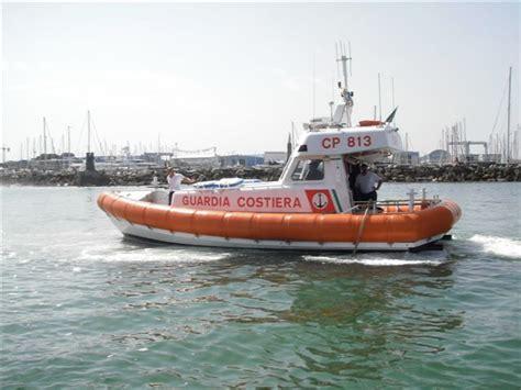 capitaneria di porto viareggio arriva ferragosto i consigli sulla sicurezza della
