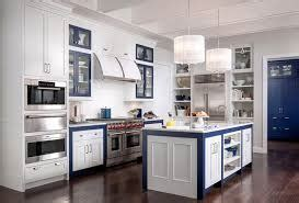 medallion kitchen cabinets reviews 2017 medallion cabinet reviews american made custom