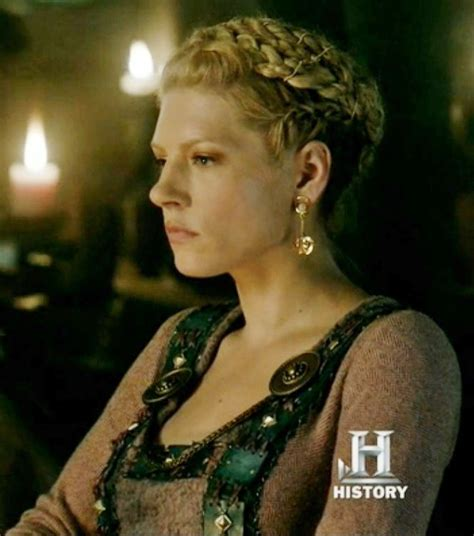 lagertha braid hair lagertha season 2 costume research vikings pinterest