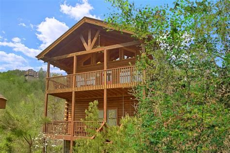 2 bedroom cabin to dollywood with mountain views