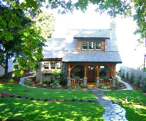 Country Cottage Homes Cottage Of The Week Country Cottages Home Bunch