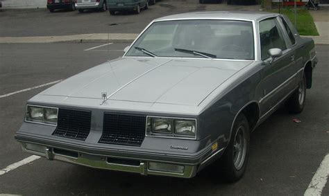 cutlass supreme file 85 oldsmobile cutlass supreme coupe jpg