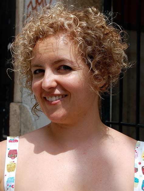 hairstyles really curly hair short curly hairstyle for women very girly sun kissed