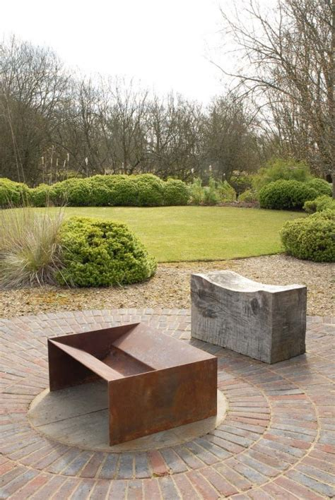 Contemporary Firepit Chunk Pit A More Contemporary Solid Firepit In 5mm Steel A Really Modern Centre