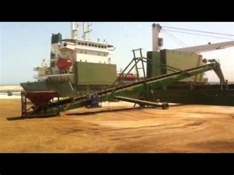 un barco youtube palas cargando un barco youtube