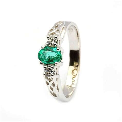 oval emerald and celtic 14k white gold 3