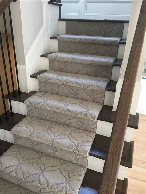 Carpet No No Courtesy Of Shemar by Best 25 Carpet Stair Runners Ideas On Carpet