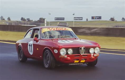 Alfa Romeo 1750 Gtv by Alfa Romeo 1750 Gtv Race Car Crankandpiston