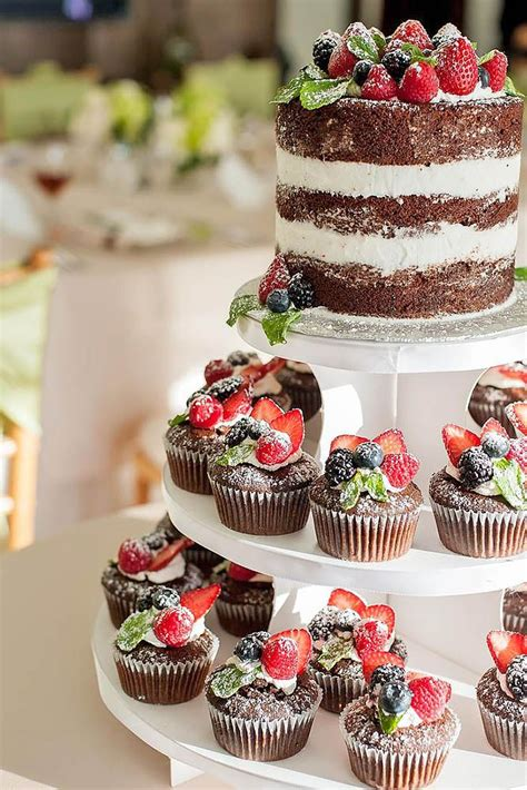 hochzeitstorte und cupcakes the 25 best ideas about wedding cupcakes on
