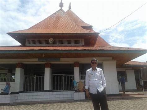Serambi Sakinahcermin Pribadi Muslim masjid di bengkulu ini ternyata dirancang oleh bung karno oleh kang nasir kompasiana