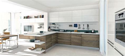 cucine bianchi come arredare una cucina con mobili bianchi e legno