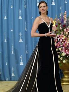 oscar film julia roberts 2001 dresses worn on the red carpet at the academy awards