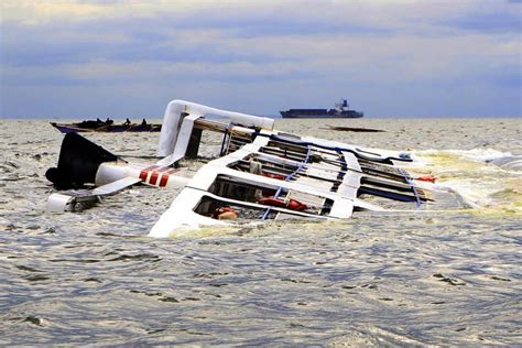 catamaran boat accident philippine boat carrying 173 passengers capsizes at least