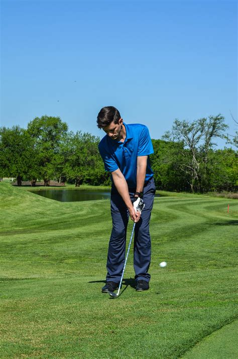 improve golf swing how to improve your golf swing s summit lifestyle