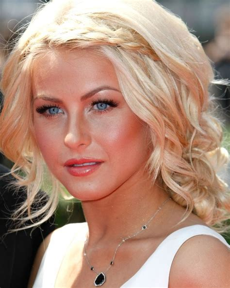 how to make your hair like julianne hough from rock of ages pin by jessica hughes on hair nails makeup pinterest