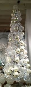white and silver christmas tree decorating ideas
