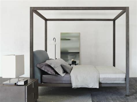 letto a baldacchino legno letto in legno con testiera imbottita ari letto a