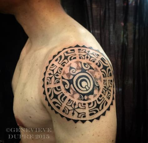 polynesian shoulder tattoo 1000 ideas about polynesian tattoos on