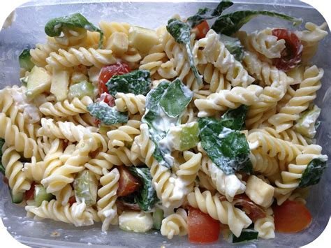 pasta salad with spaghetti noodles a very simple pasta salad paperblog
