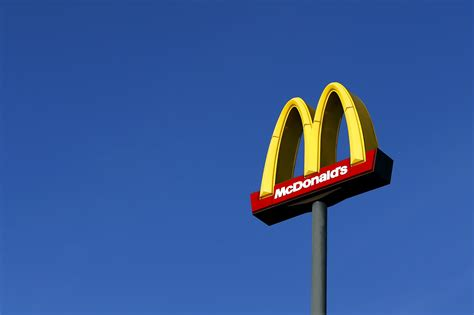 what time does mcdonalds world s largest mcdonald s closing to make way for even