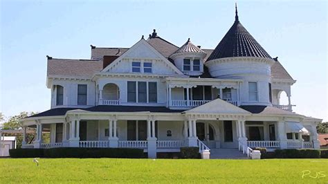 victorian style houses  queen victoria ruled