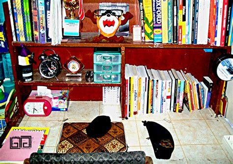 Meja Belajar Second meja belajar asrama by glankitugilang on deviantart