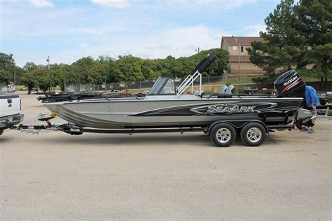 seaark catfish boats seaark procat 240 catfish boat catfishing texas