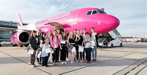 wann am flughafen sein austauschsch 252 ler aus ungarn am dortmund airport