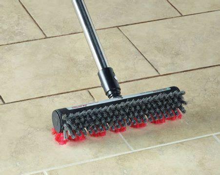 pulire piastrelle scopa per pulire fughe piastrelle soluzioni per casa