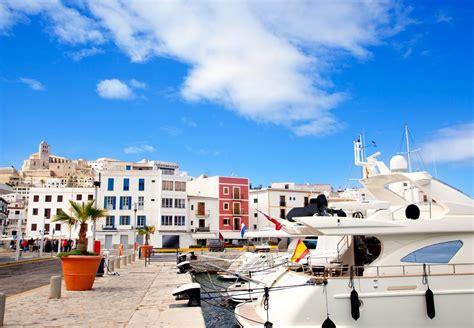 Preciosa  Apartamentos De Lujo En Ibiza #9: Puerto-de-Ibiza-Islas-Baleares1.jpg