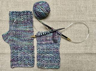 pattern for magic loop mittens ravelry magic loop fingerless mitts pattern by chiaki hayashi