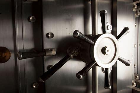 caja fuerte en banco consejos de cerrajeros para escoger la mejor caja fuerte