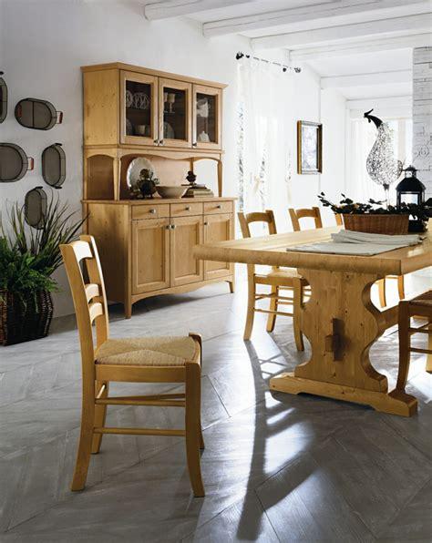 mesas de madera  acento rustico  el comedor