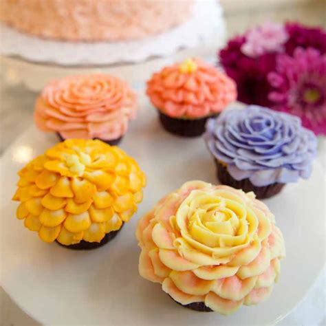 Cupcake Bakery by Magnolia Bakery La Byob Flower Cupcake Decorating Class