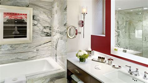 hotels with baths in bedrooms toronto hotel suites the omni king edward hotel