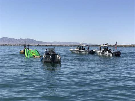 boat crash topock az 2 men killed in lake havasu boat crash woman critically