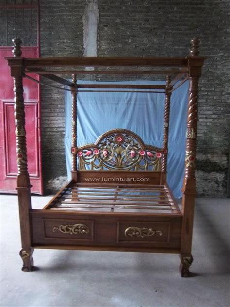 Ranjang Jati Kanopi tempat tidur kayu jati ukiran jepara tiang kanopi tiara