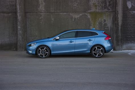 volvo new v40 volvo bringing new v40 s60l to united states