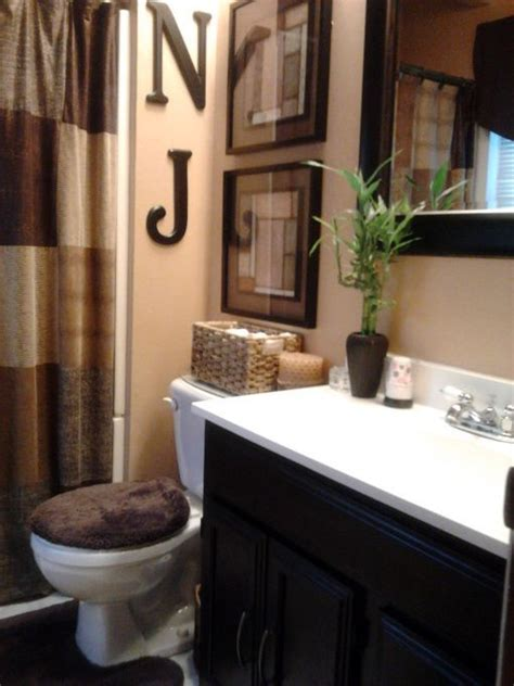 Small Bathroom Accessories 17 Best Ideas About Brown Bathroom On Brown Bathroom Decor Brown Walls And Brown Paint